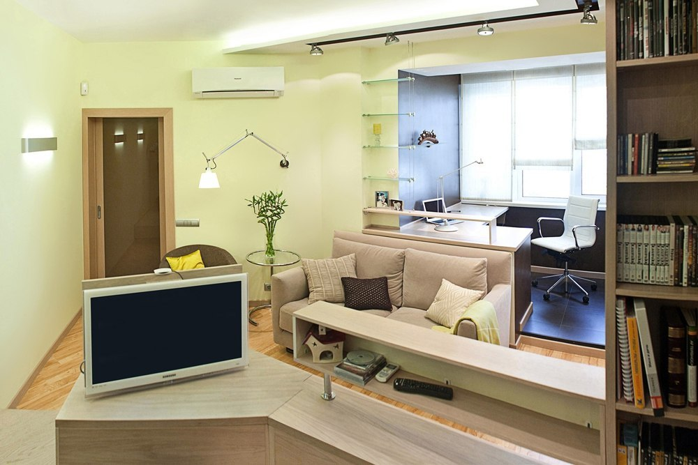 40 Square Meters Irregular Shape Apartment Photo Review. Lime trimming of the walls in the living room divided on zones