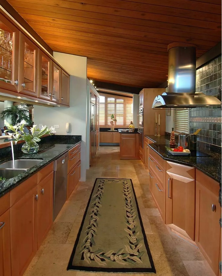 Kitchen Cork Floor Types Overview. Nice for the Provence style