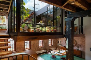 Orangery at the higher level of the loft apartment in US
