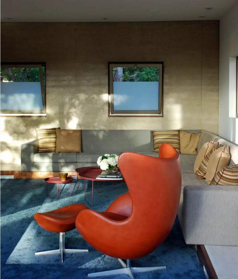 Fusion Interior Design Style. Bright palm armchair