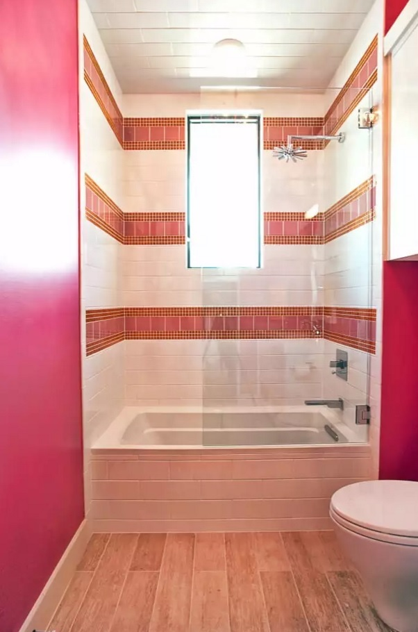 Pink glamour design idea for the small bathroom