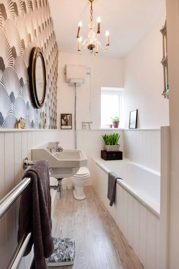 Small Bathroom Creative Remodel Ideas. Abundance of finishing solutions within one area