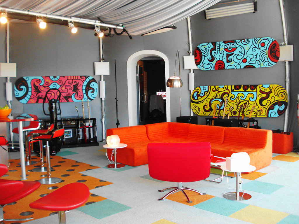 Pop Art Interior Design Style. Garish decoration for the living