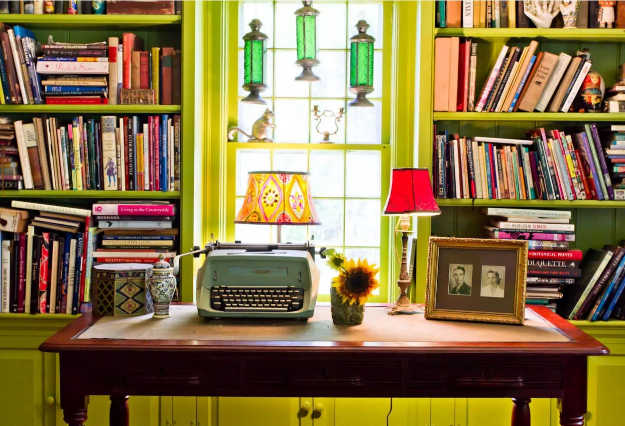 Kitsch Interior Design Style. Yellow aspid color and vintage elements for the home office