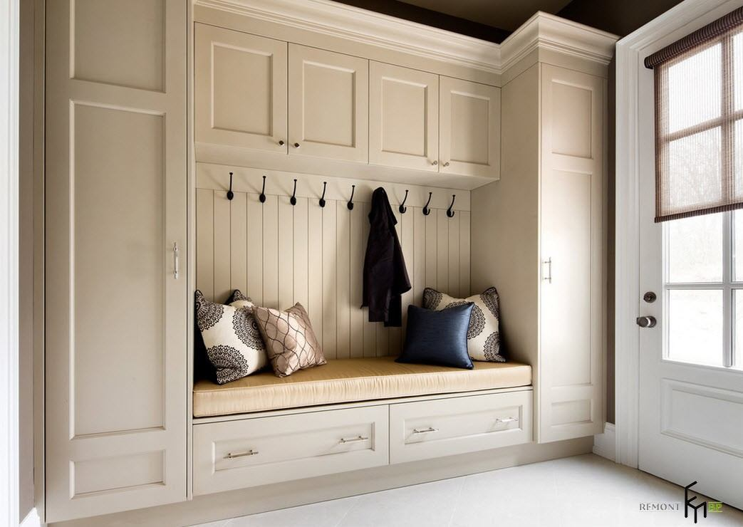 White classic furniture set for light lobby