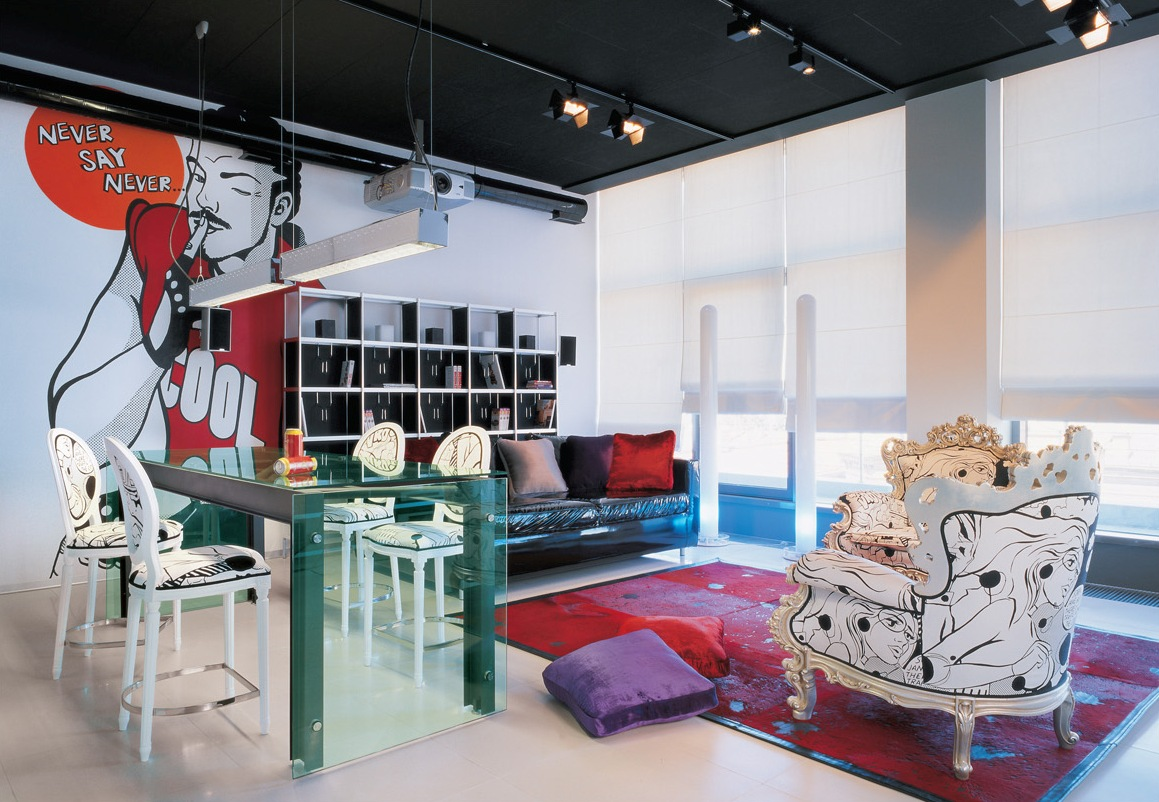 Pop Art Interior Design Style Black Ceiling And Light Wals In The Living Room