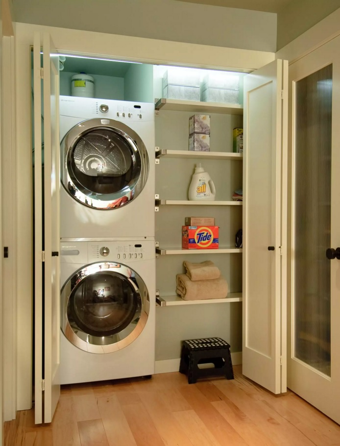 Functional and Beatiful Laundry Interior Ideas. Small utilitarian area with all necessary inclusive