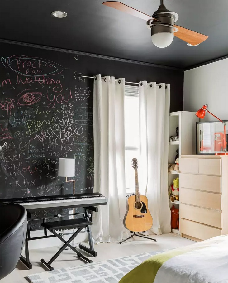 Original Interior Musical Design Ideas. Creative atmosphere set by a black wall for chalk writing