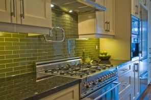 Interior Glass Tiles: Photos, Descritption, Types. Lime kitchen splashback