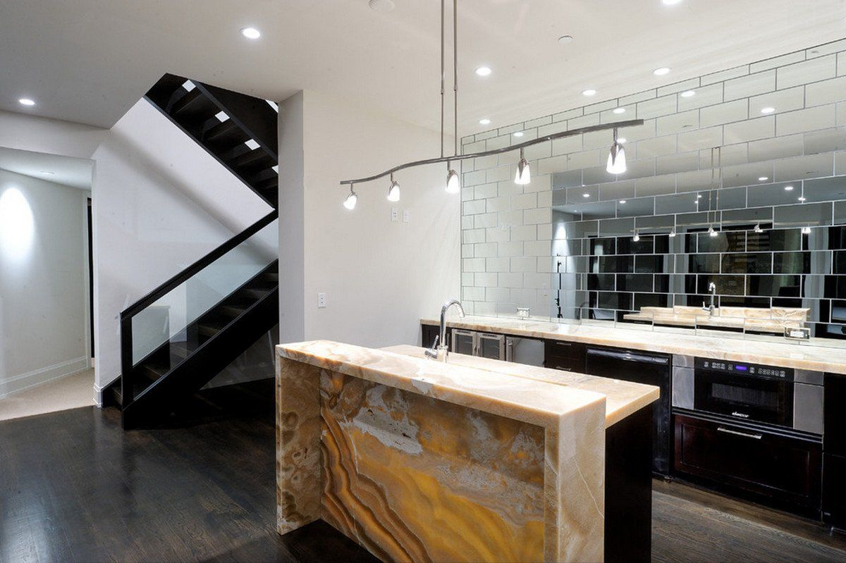 Mirror Tiles Ideas for Modern Interior Design. Absolutely unique arrangement of the hall in the spacious apartment with combining of black and white decorations