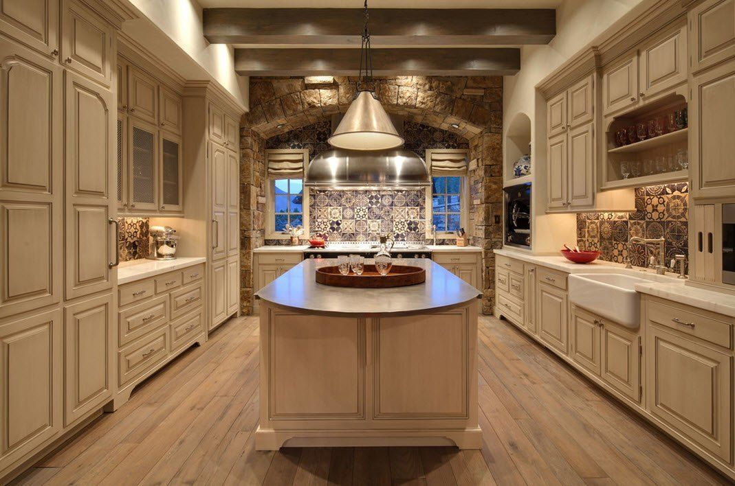 Nice kitchen decoration in the spacious private house area