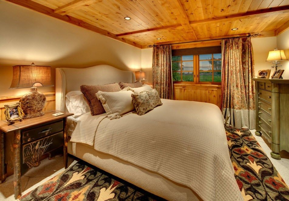 Top Ceiling Beams Design Photo Ideas. Lacquered wood veneered bedroom in the large private house