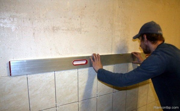 Easy Way DIY Wall Tiling Advice. You`ll need the building level all the way of your work