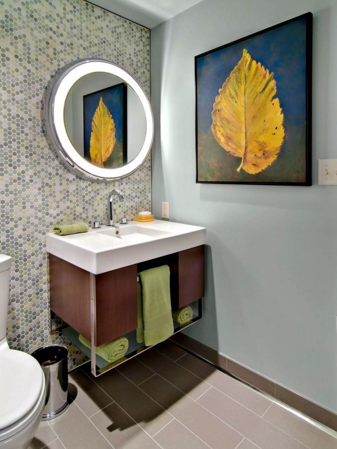 Small Bathroom Space Saving Vanity Ideas. Nice combined under-sink piece of furniture with opened towel storage