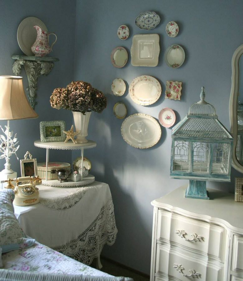 Decorative Plates in Bedroom, Bathroom and Hallway. Bedroom in the blue theme with Gzhel painted plates