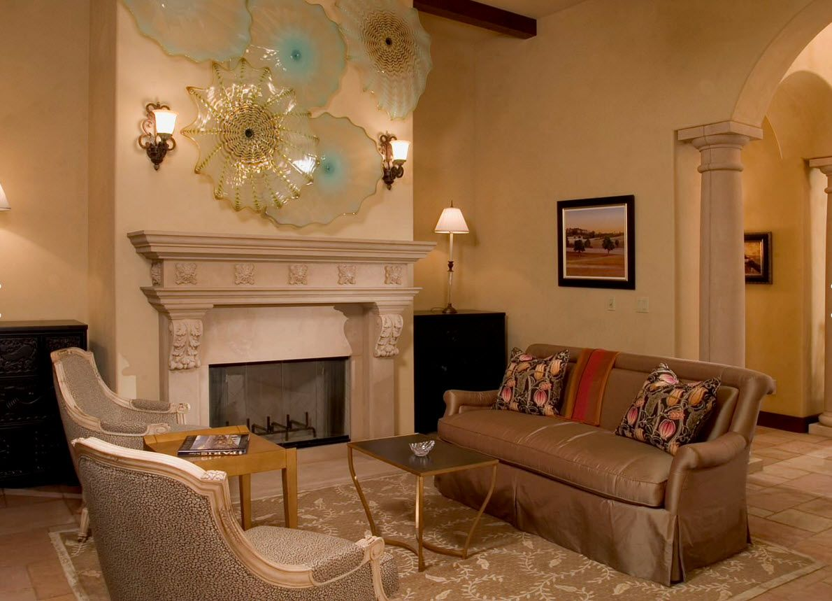 Living Room Wall Plates Decoration. Classic style of the fireplace