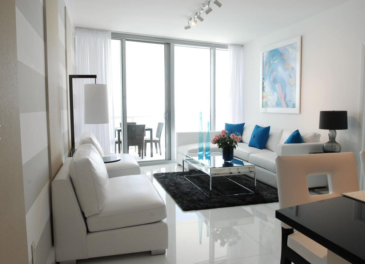 White Floor as an Exquisite Decoration Idea for Modern Interiors. self-leveling glance floor for spectacular design of the living with panoramic windows