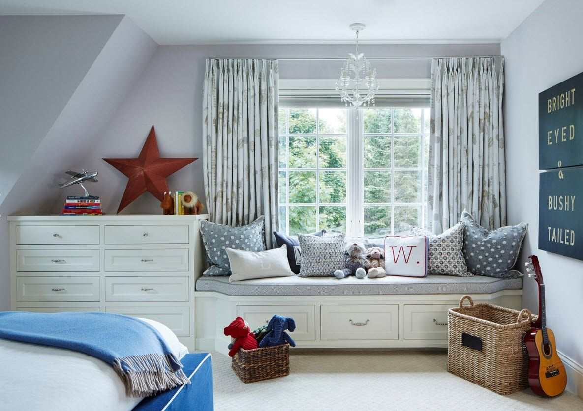 Boy's Room Design Ideas for every Age and Situation. Window side bed for one of two boys in the children's space