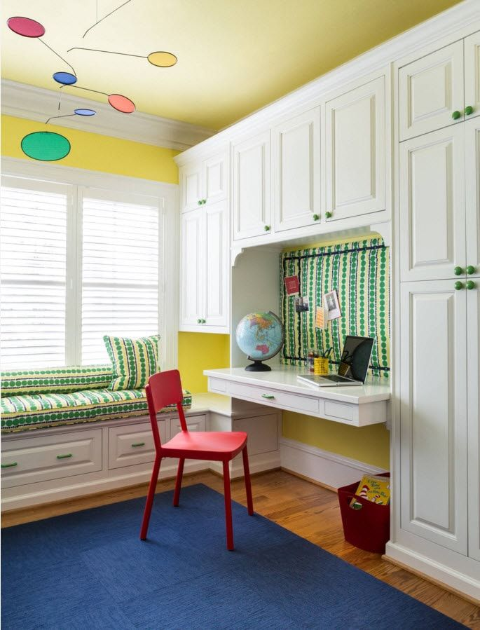 Boy's Room Design Ideas for every Age and Situation. Optimistic colors in the premise for young man