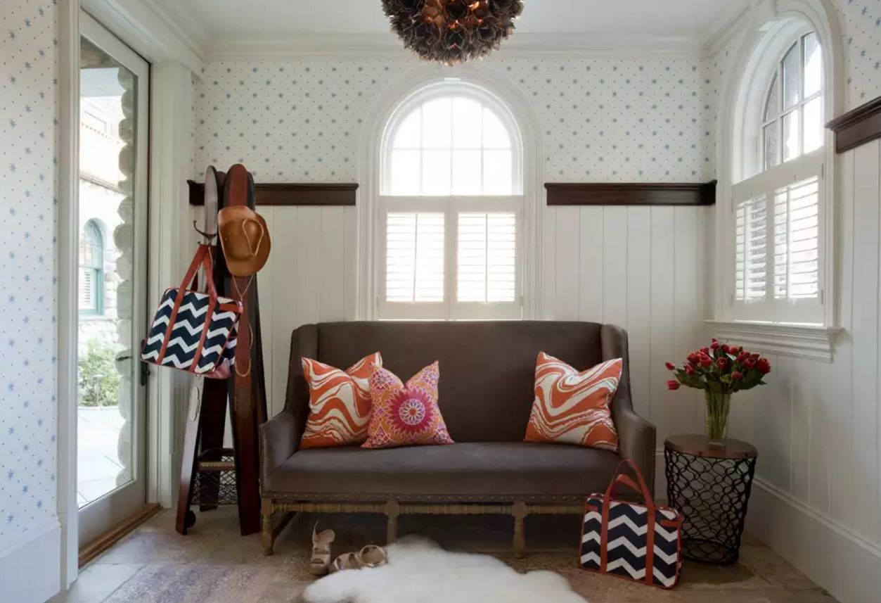 Original Modern Entryway Furniture Photo Collection. Vintage style in the anteroom