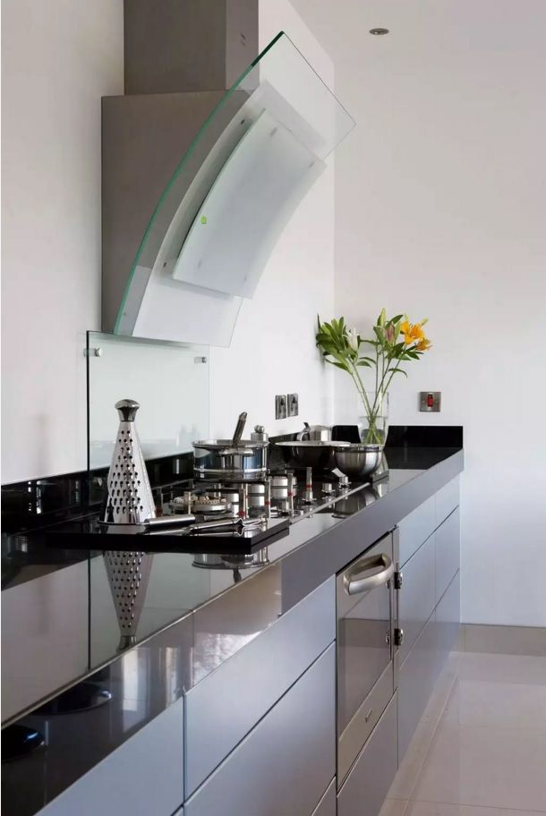 The Main Types of Kitchen Hoods. Photo Gallery and Description. Flat type is ideal for the hi-tech or minimalistic design of the area