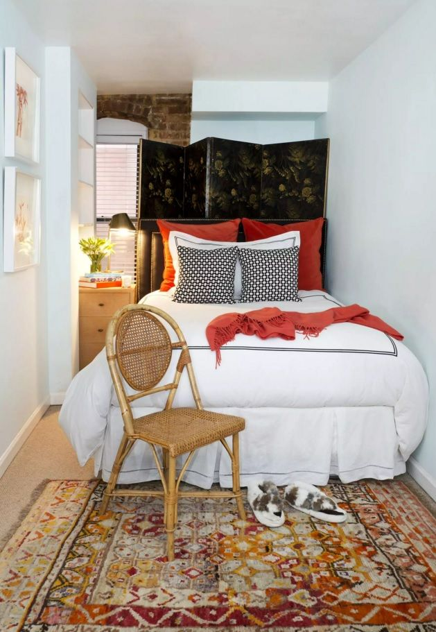Small Bedroom Decoration Trends Photo. Red bed linen and the pillows along with dark headboard screen constitute the accent in the space