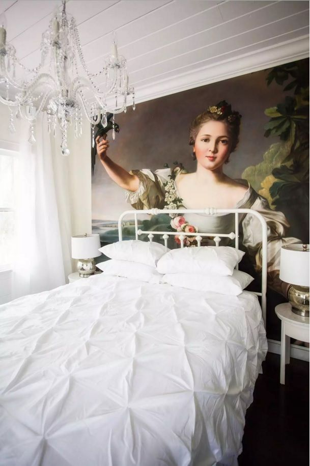 Small Bedroom Decoration Trends Photo. Photo wallpaper with classic motif