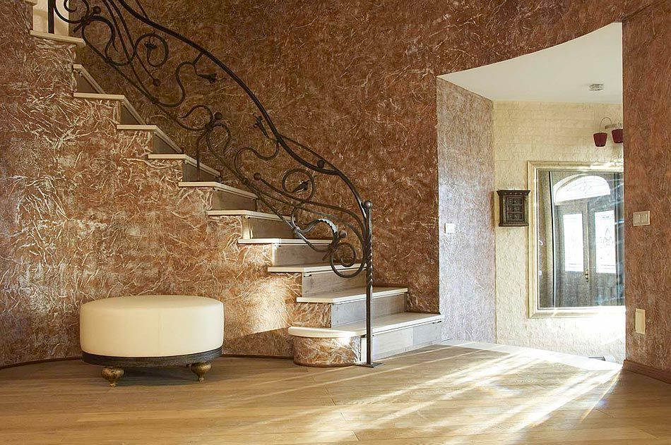Main Types of Textured Plaster. Spectacular hall decoration in classic royal style