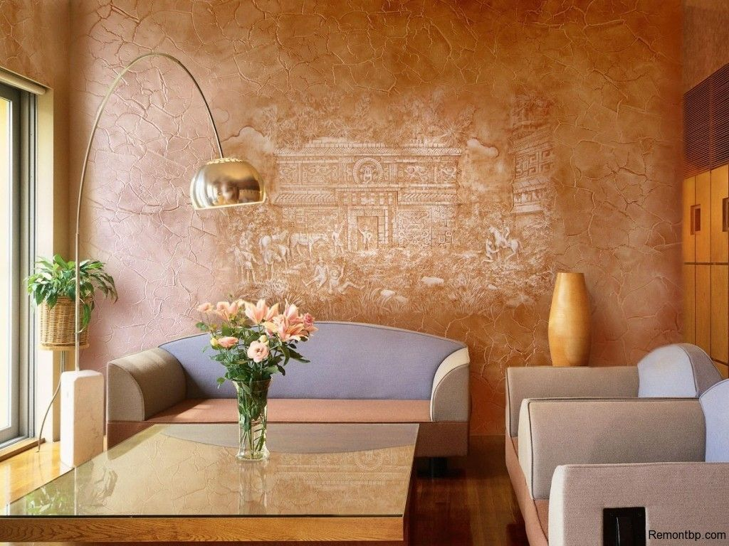 Decorative Venetian Stucco: Applying Technique, Interior Photos. Classic atmosphere in the brightly decorated living room