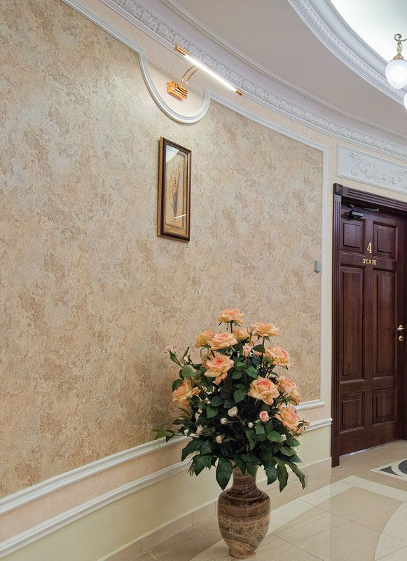 Decorative Venetian Stucco: Applying Technique, Interior Photos. Nice hallway design in the modern fresh style