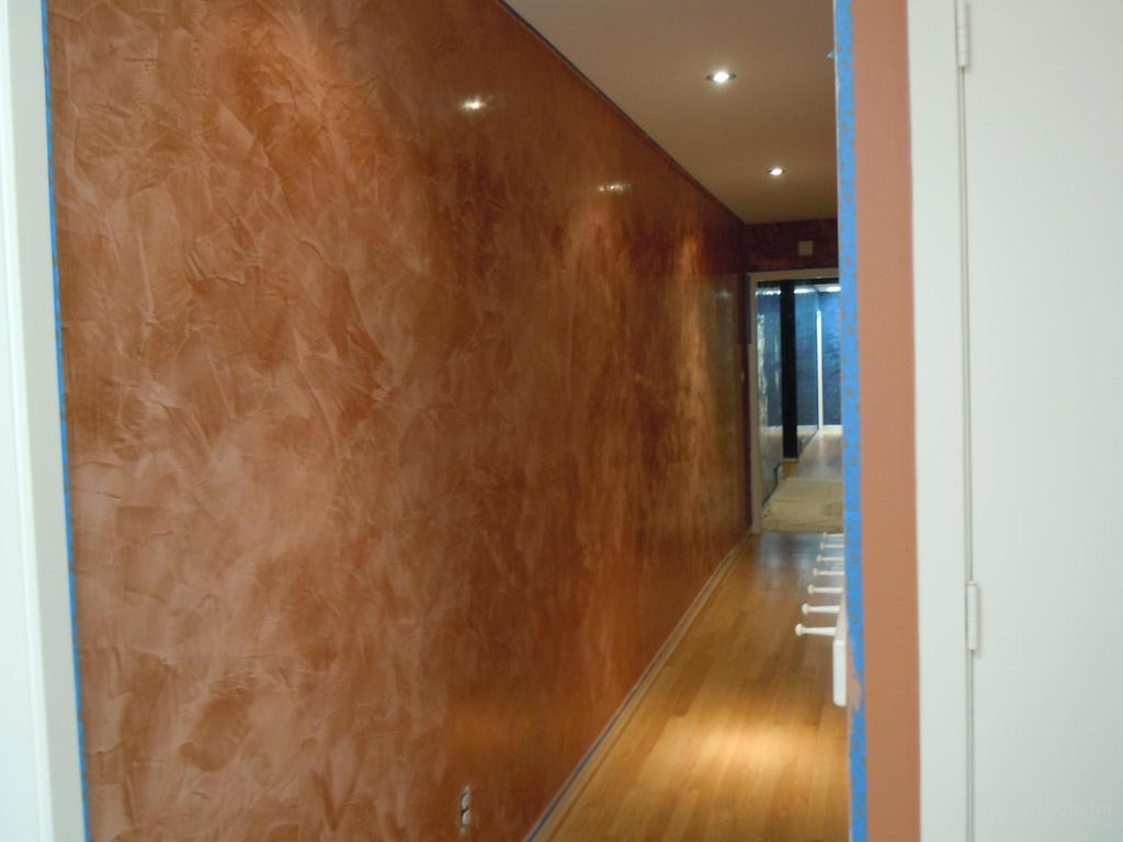 Decorative Venetian Stucco: Applying Technique, Interior Photos. The hallway in the contemporary style