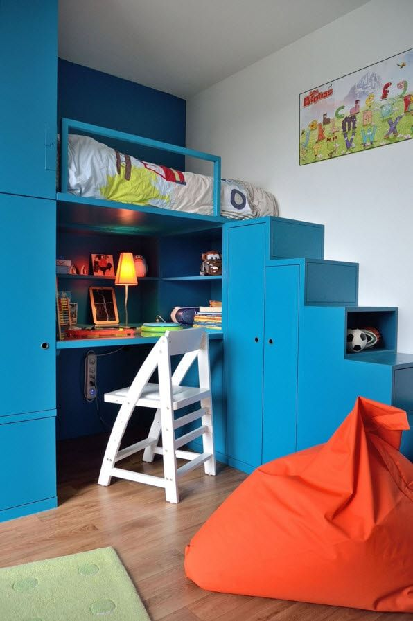 Design Examples of Small Kids' Rooms for Boys Decoration. Deep bright blue and neautral walls can be really harmonic mix