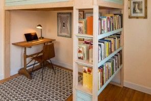 Design Examples of Small Kids' Rooms for Boys Decoration. Library in the decorative wall-stand of the bunk bed