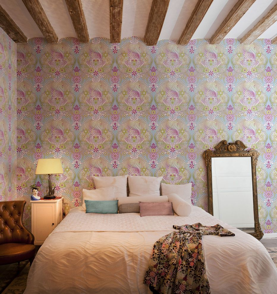 Nice colorful wallpaper in the classic bedroom