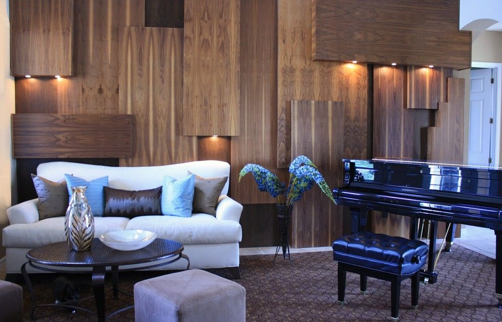 Unusual wooden plates for the interior decoration of the classic living room