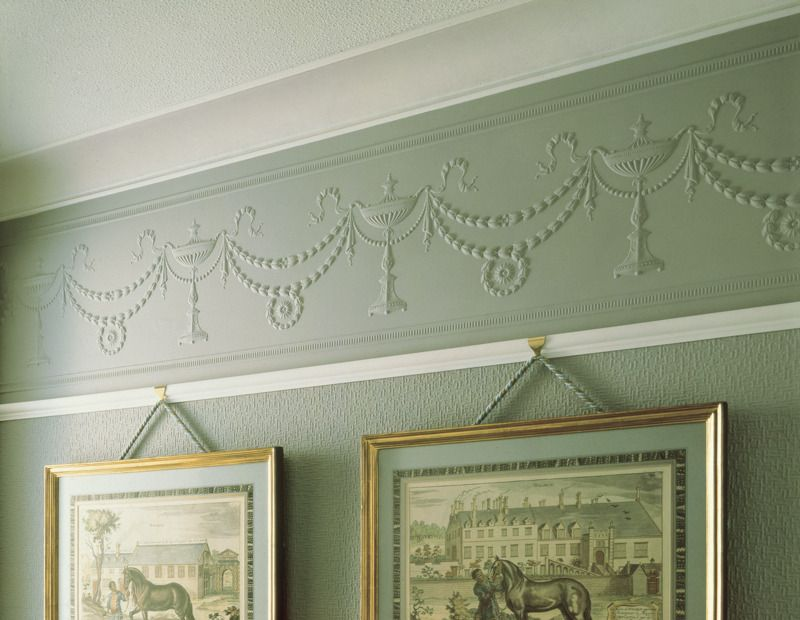 How to Choose Right Wallpaper for Painting. Lincrusta is rare but very effective type of the coating