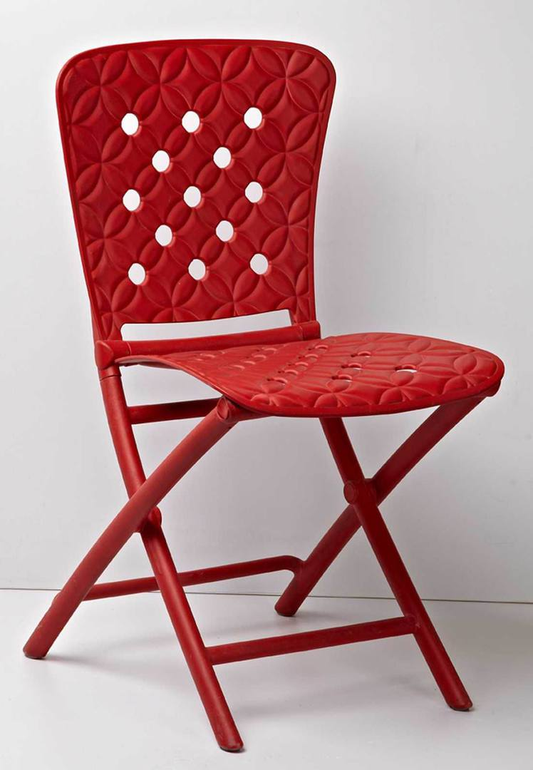 Folding Chairs as a Kitchen Interior Functional Decoration. All red design