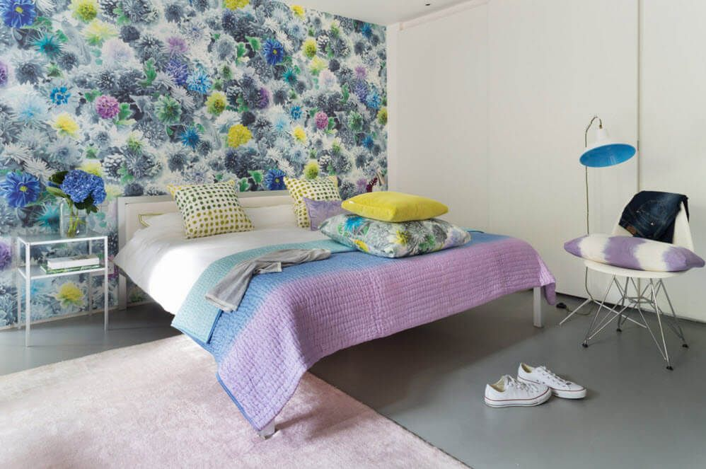 Joyful accent wall in the all shades of rainbow for the bedroom
