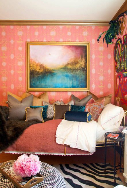 Vinous wallpaper and bold solutions of coverlet and cushions