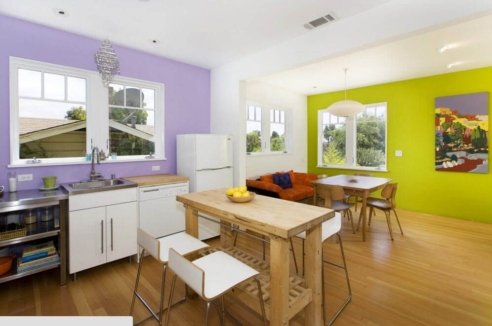 Absolutely experimental kitchen design with two accent walls in different bright colors