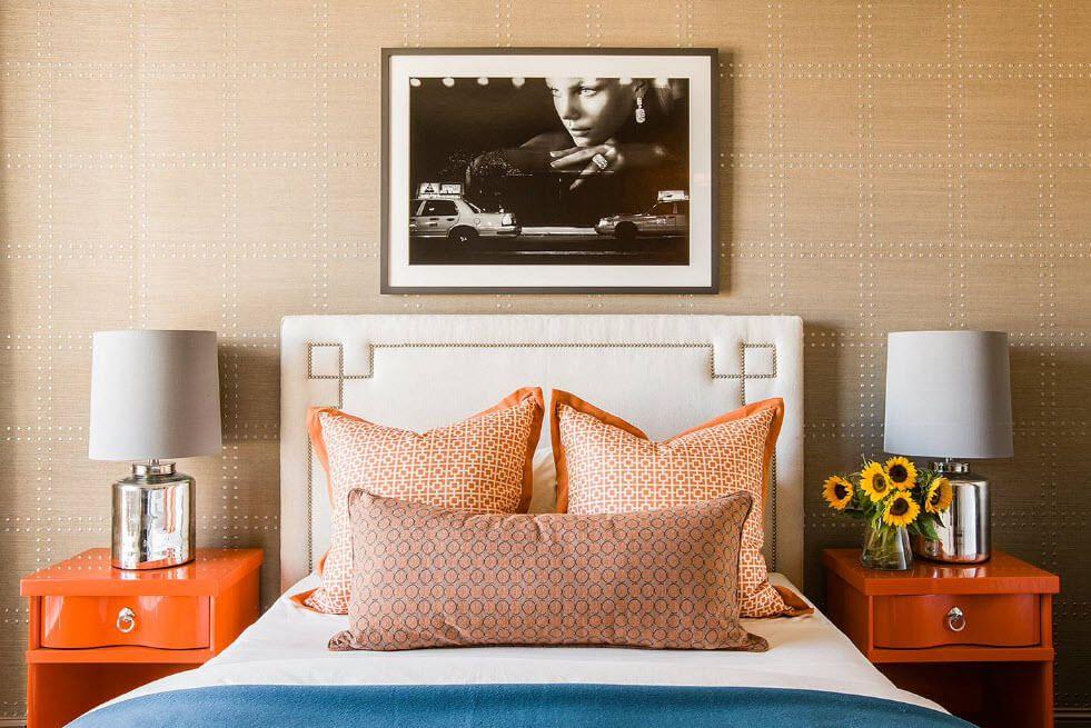 Golden pillows for the chic light bedroom