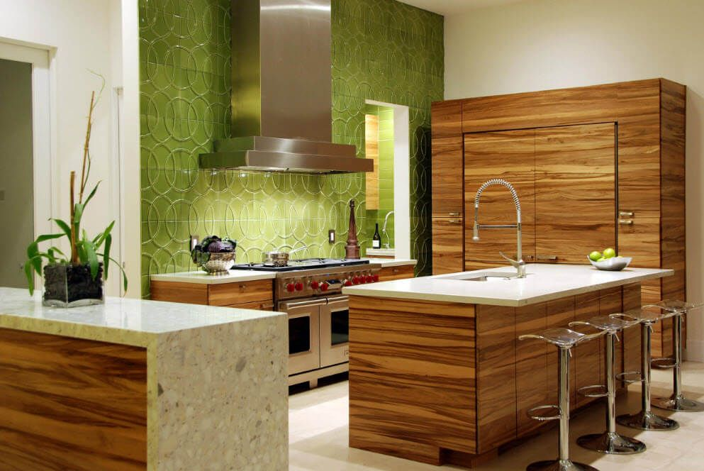 Walnut surface of the working surfaces at the kitchen