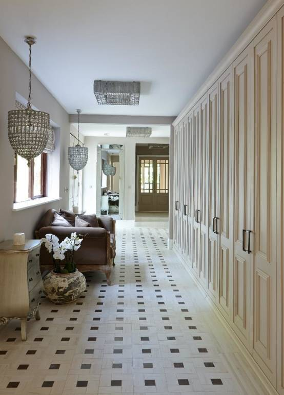 Choosing Floor Tiles for Entry and Hallway. Checkered with rhombs floor in the large private house's hallway
