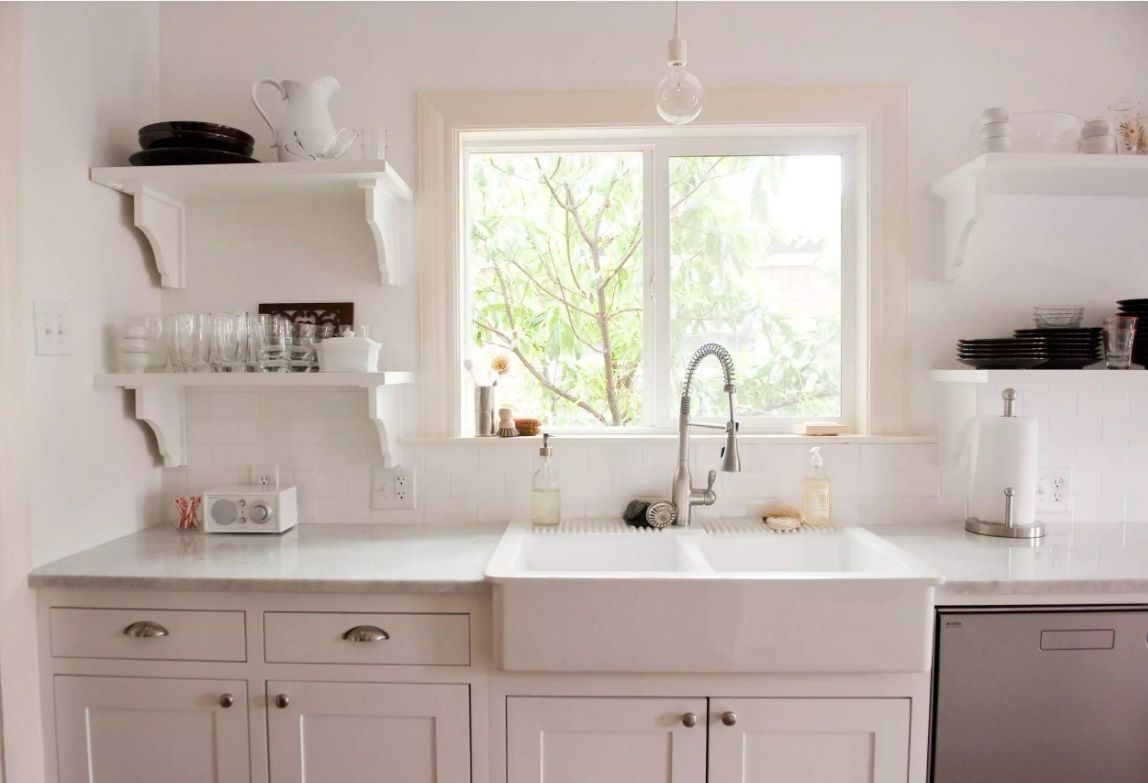 Ideally White Kitchen Interior Design With The Glossy Sink