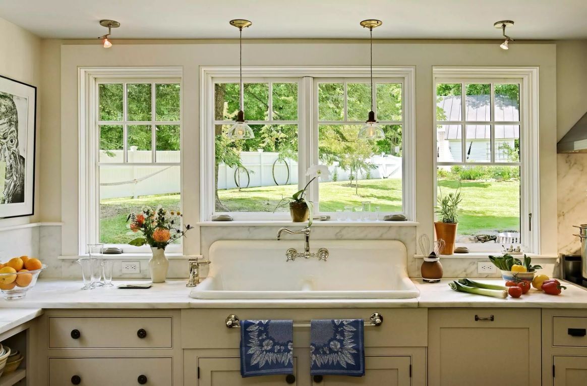 Enameled classic sink design for the rural house