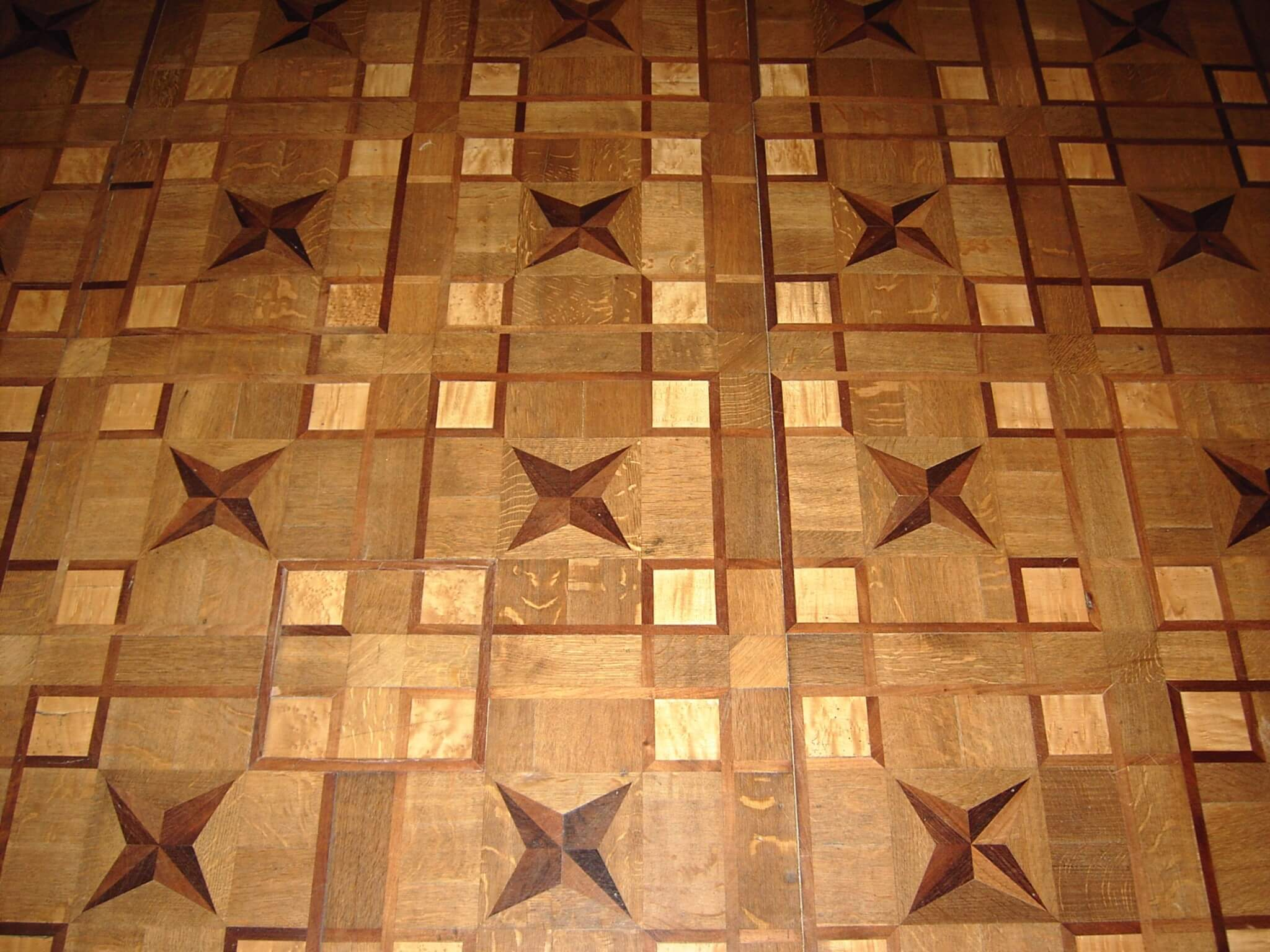 Parquet Flooring. Description, Review, Choosing Advice. Decorative parquet with the pattern