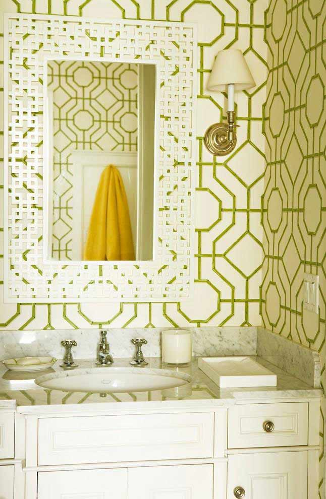 Yellow and green pattern on the wallpaper