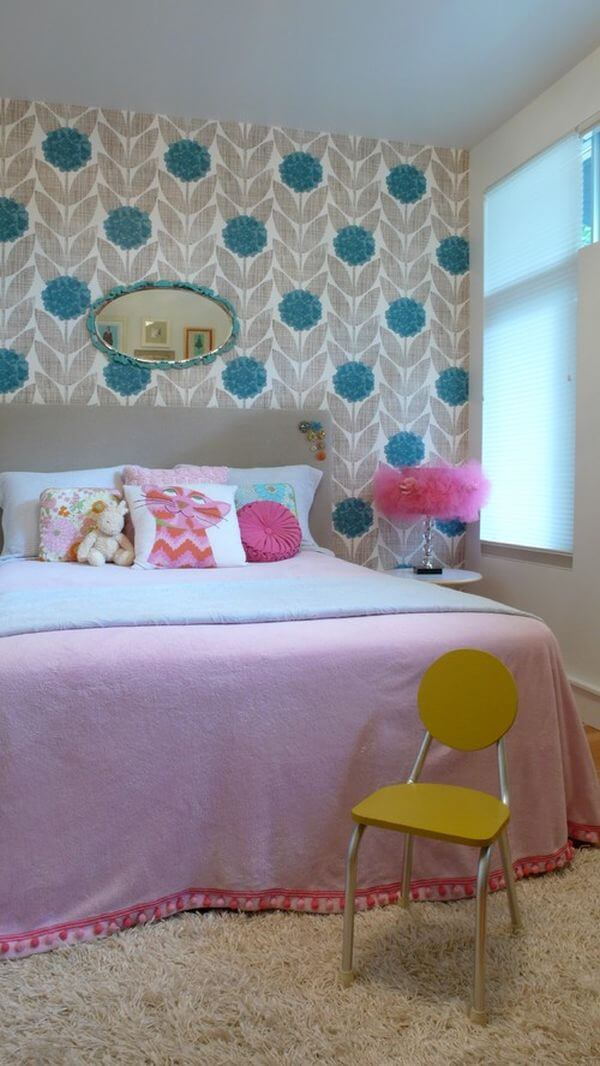 Color mixing in the wonderland child's room fir young girl