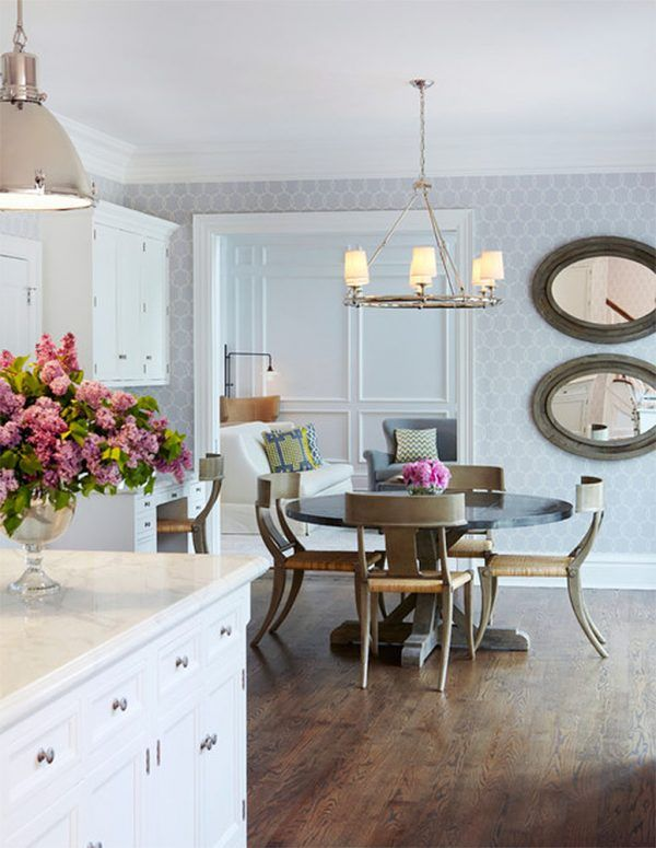 Gorgeous light colors combination in the dining room