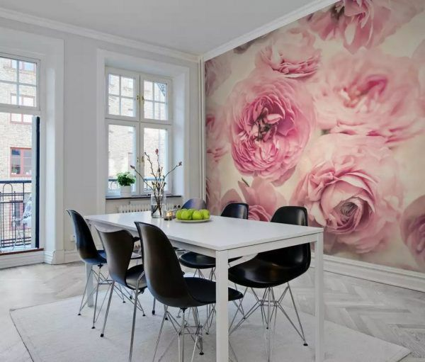 Accent wall roses photowallpaper promotes appetite